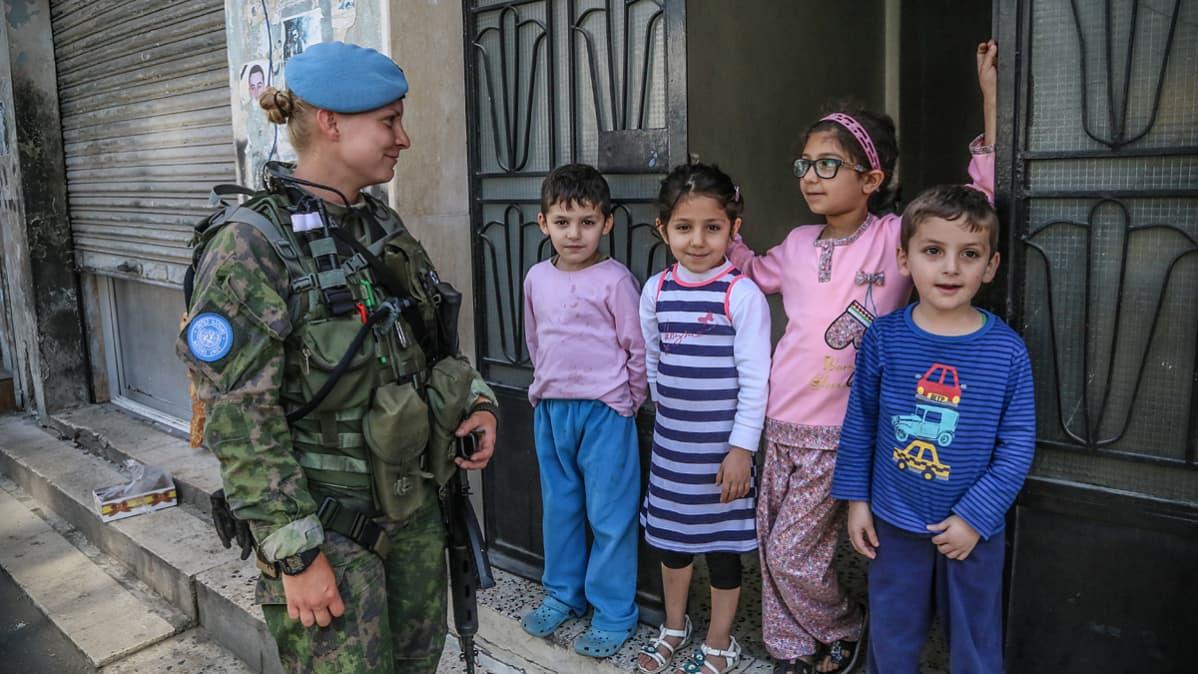 Suomalaisjoukot partioivat Etelä-Libanonin kylissä UNIFIL-kriisinhallintaoperaatiossa.