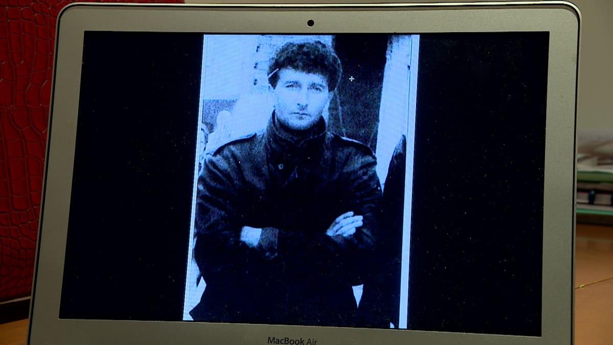 Ainoa kuva, joka Teufika Bećirovićille on jäänyt hänen isästään Teufikista.
