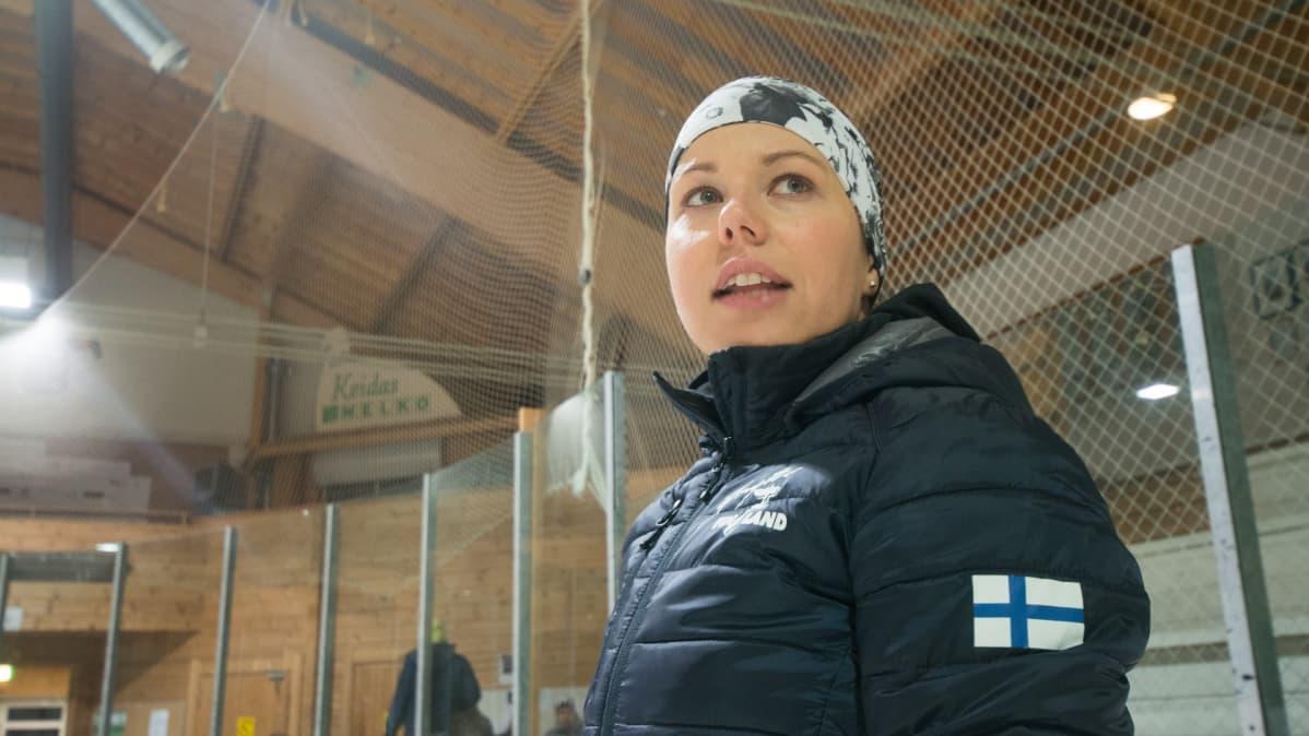 Anne Pohjola Lapinlahden jäähallissa