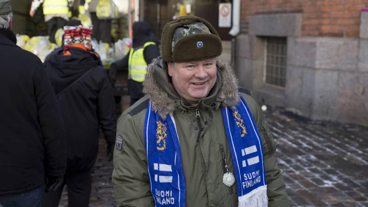 Vähävaraisten itsenäisyyspäiväjuhlan järjestäjä Heikki Hursti