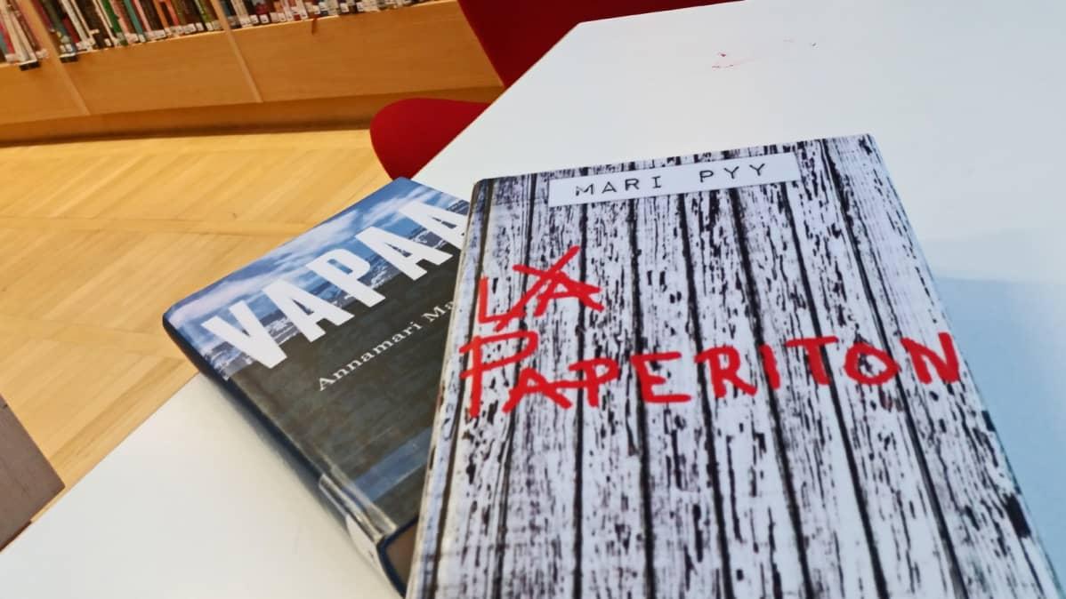Annamari Marttisen romaani Vapaa ja Mari Pyyn jännityskertomus Paperiton kertovat maahanmuuttajista.