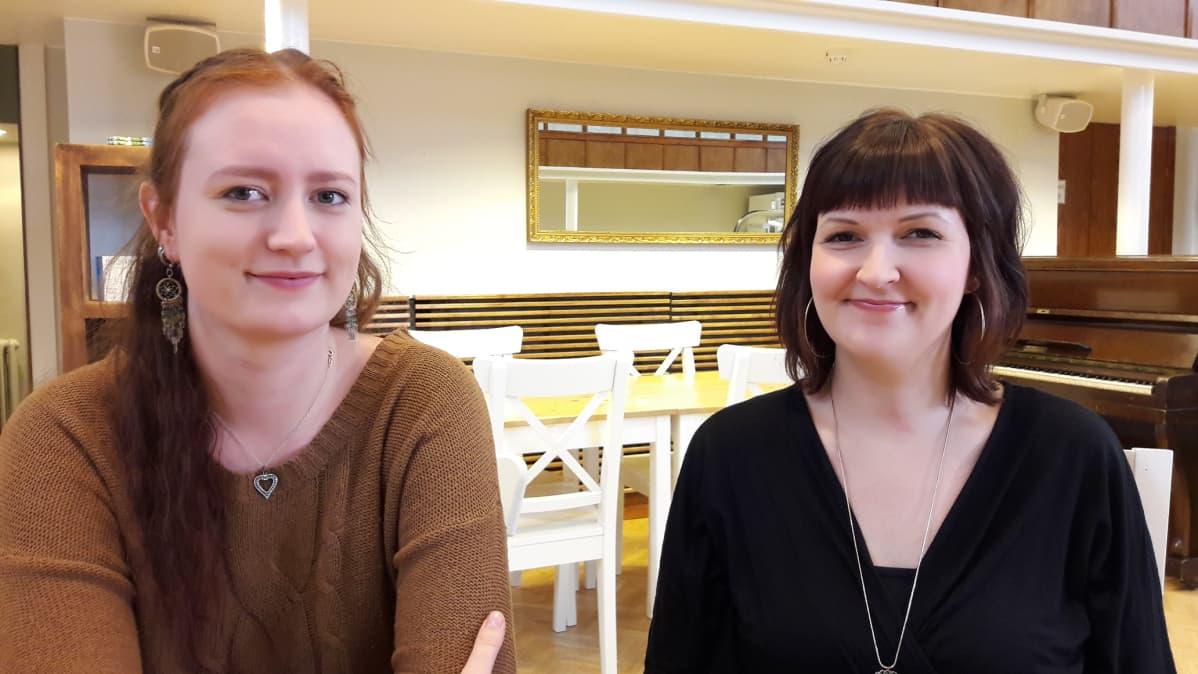 Keväällä avattavan The Local Culture Hostelin yrittäjät ovat Rinna Valjakka ja Minna Suominen.