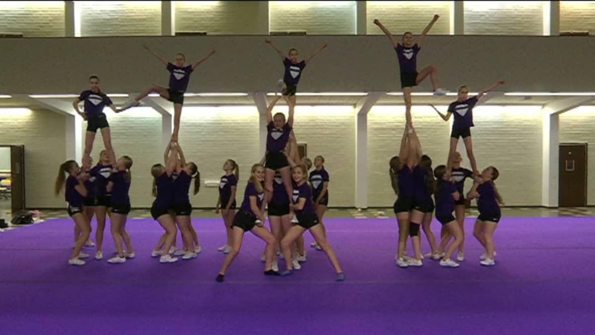 cheerleading kouvola black diamonds joukkue