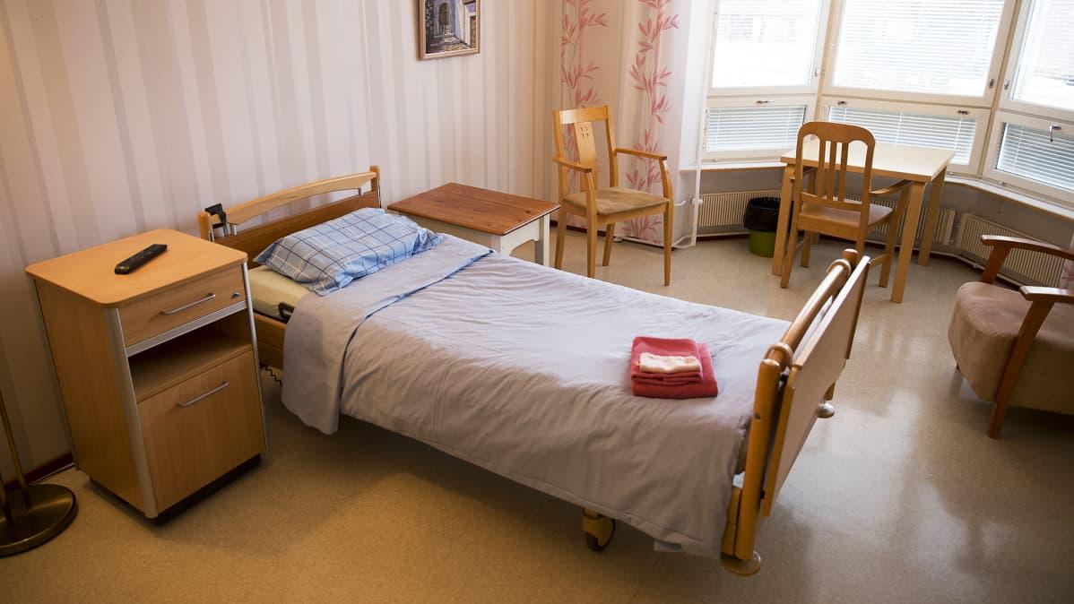 Potilashuone Terhokodissa.