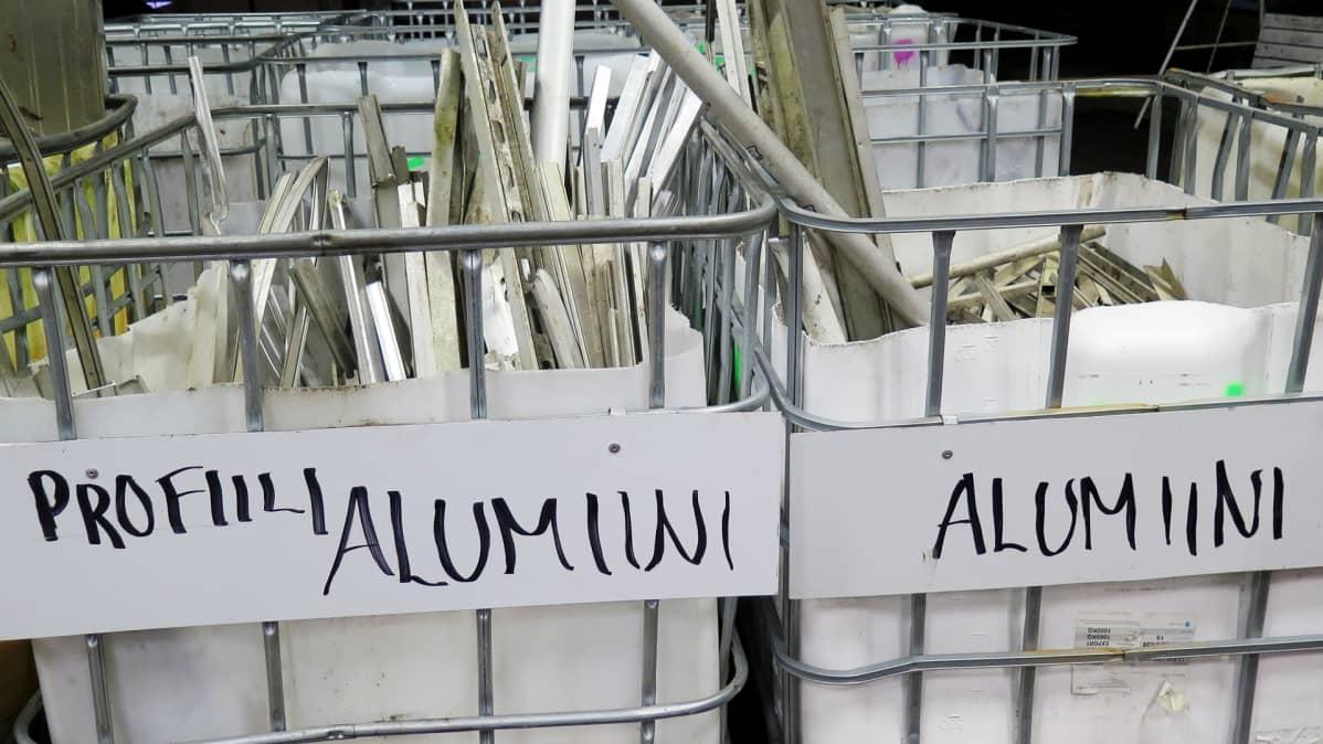 Alumiiniromua keräyskontissa