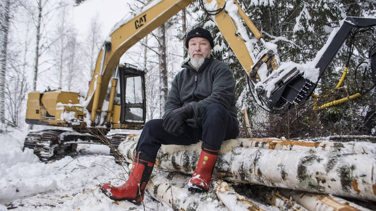 Tuomas Kuhmonen, kaivinkone, tulevaisuus