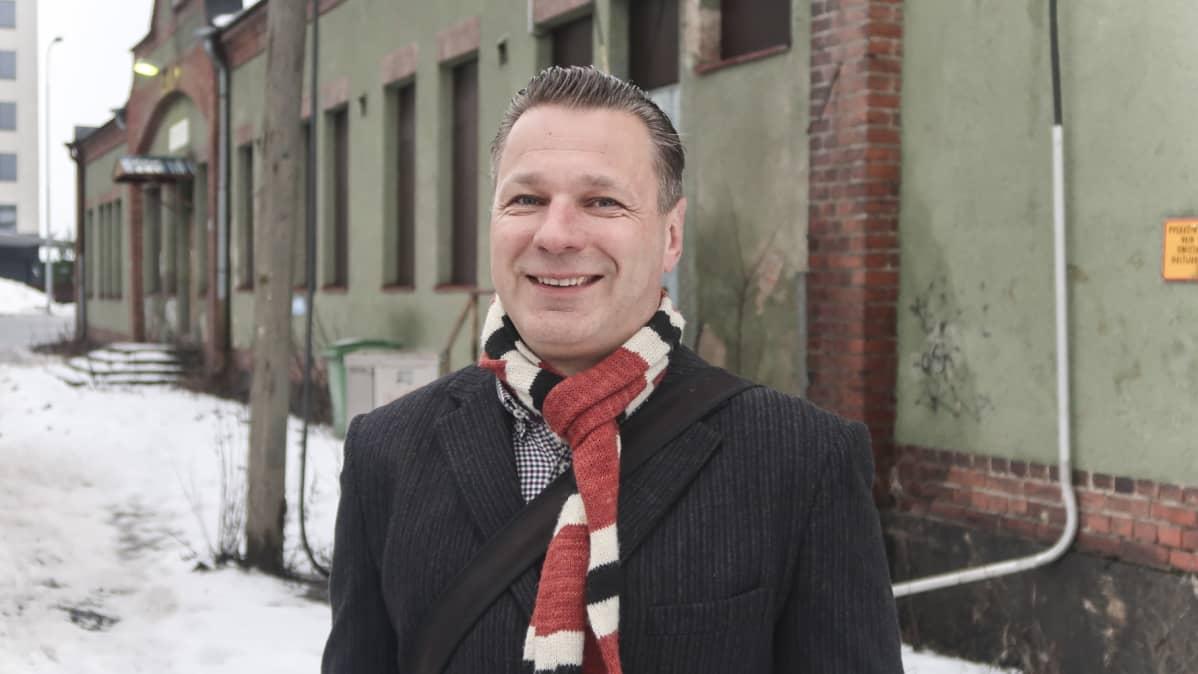 Kaupunginvaltuutettu Juhana Suoniemi (vihr.)