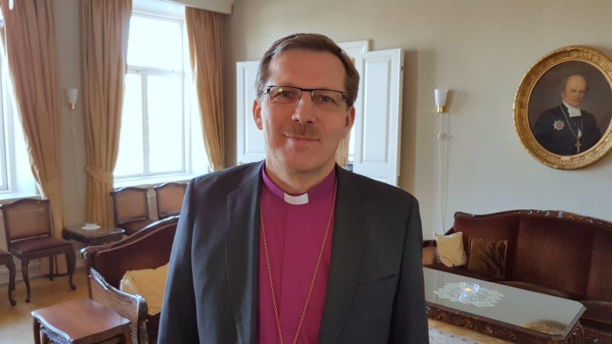 Piispa Jukka Keskitalo