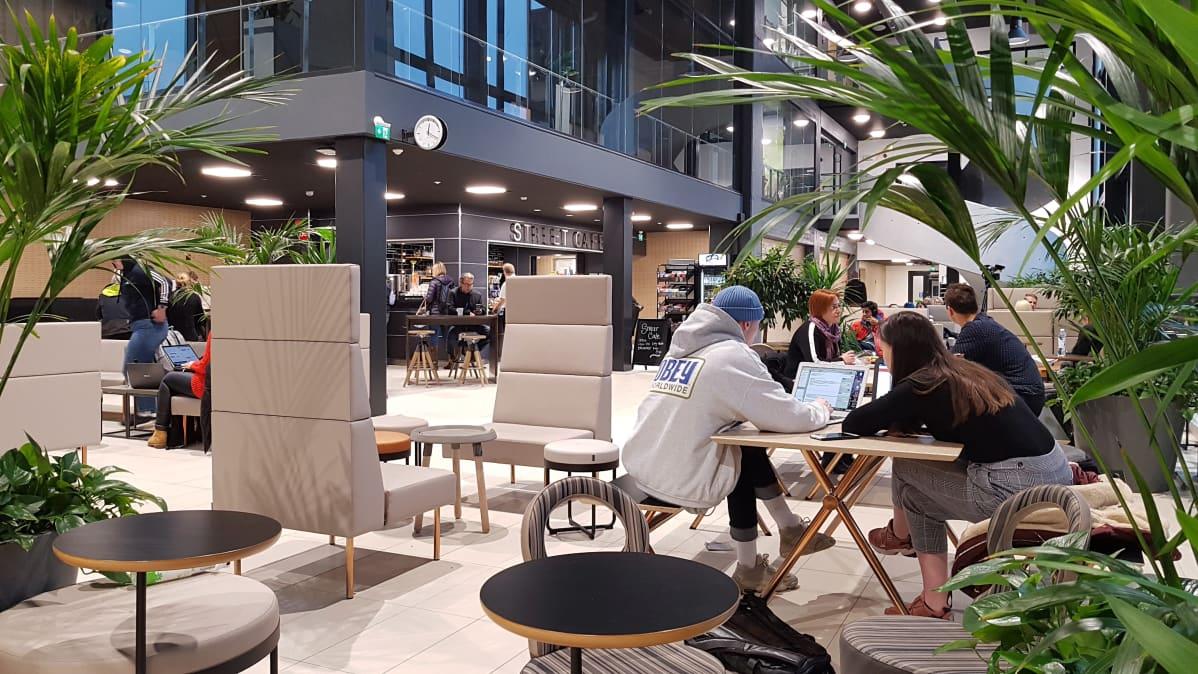 Street Cafe kahvila