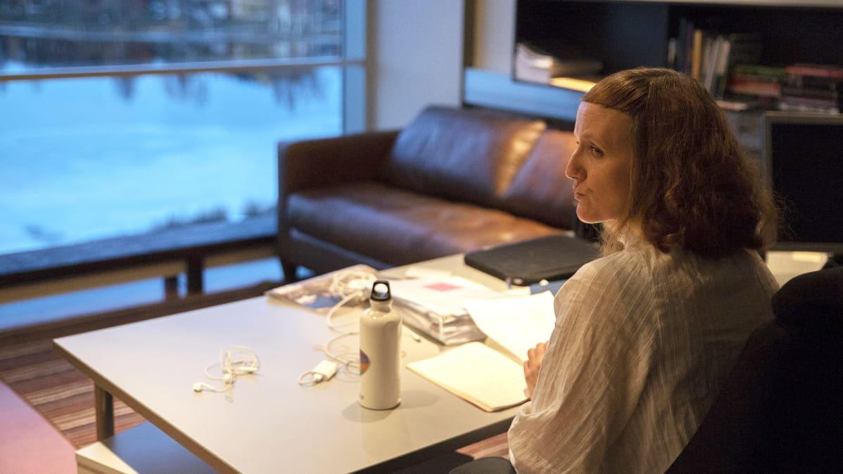 Alma Lehmuskallio on Oulun kaupunginteatterin historian kolmas naispuolinen taiteellinen johtaja.