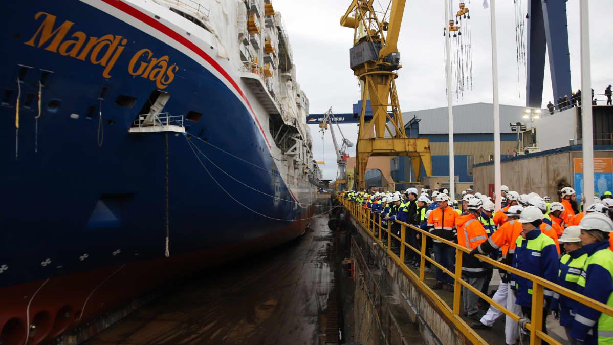 Carnival Cruise Linesin tilaama Mardi Gras laskettiin vesille Meyerin Turun telakalla parjantaina 24. tammikuuta 2020.