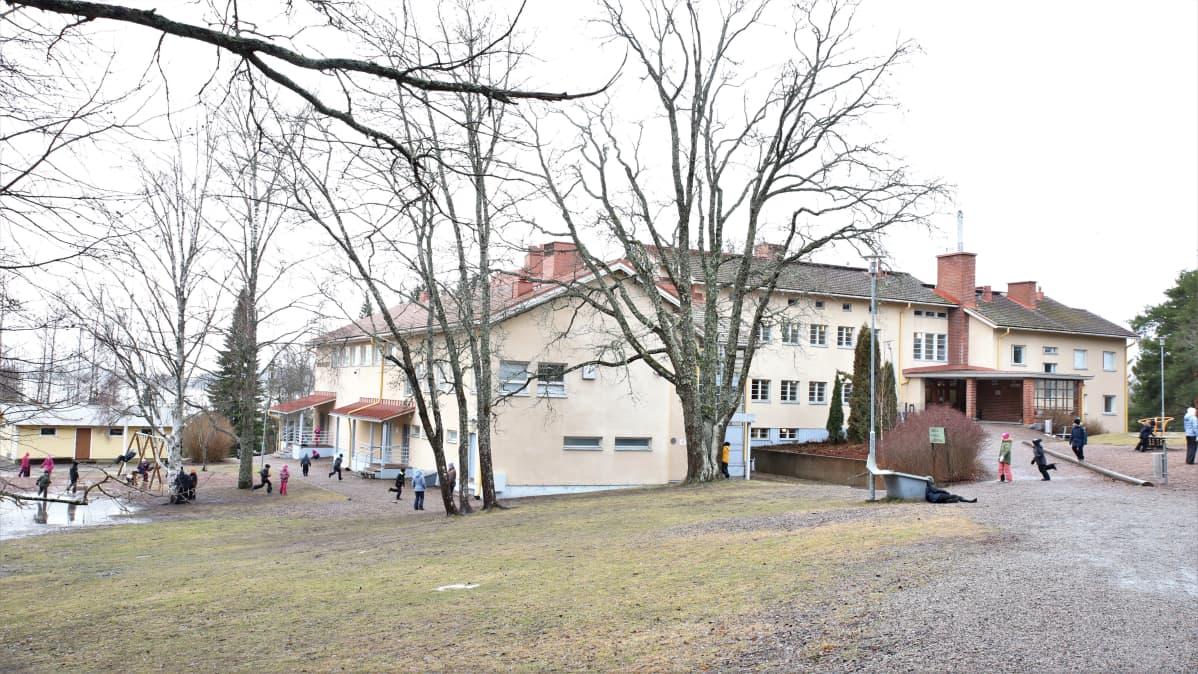 Paimelan koulu ja päiväkoti helmikuussa 2020 Hollolassa