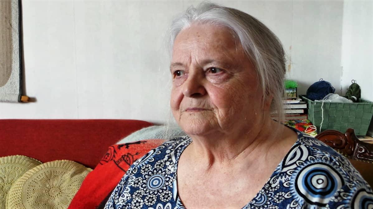 Lähikuva Marja-Liisa Isoviidasta.