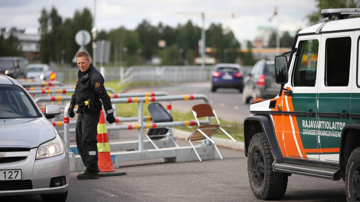 Rajatarkastuksia suoritetaan Tornion ja Haaparannan rajalla