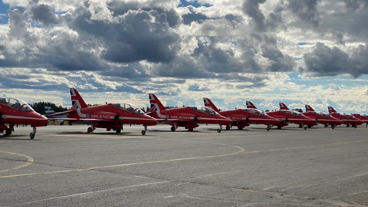 Red Arrows -taitolentonäytösjoukkue Kauhavan Airshowssa 29.-30.8.2020