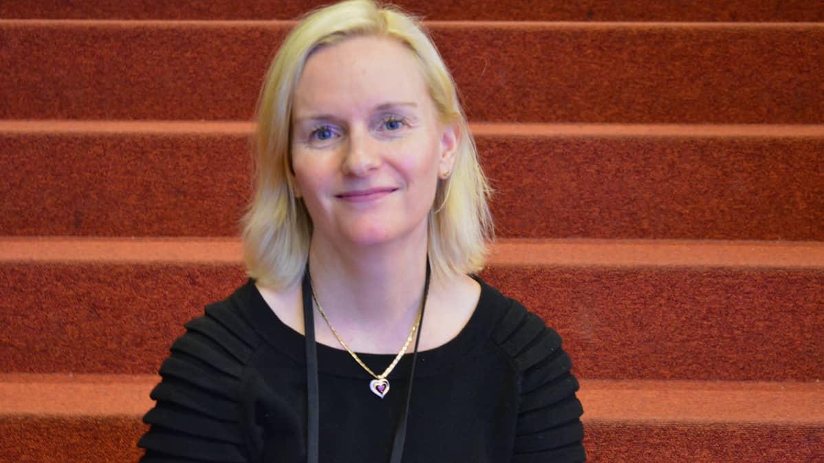 Outi Hirvonen, Turun yliopistollisen keskussairaalan palliatiivisen keskuksen ylilääkäri.