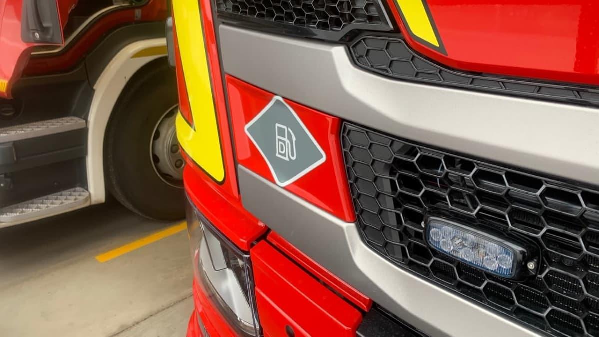 Käyttövoimatarrasta näkee käytetäänkö autossa dieseliä, sähköä, vai maakaasua.