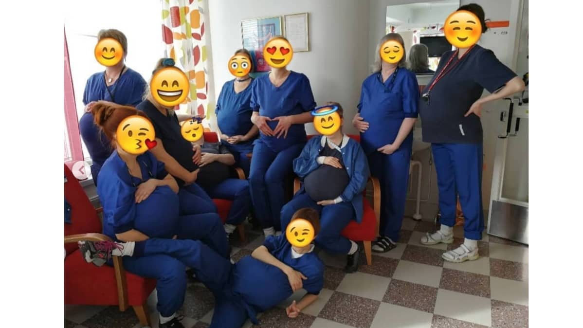 Vaasan keskussairaalan synnytys- ja naistentautien osaston kätilöt kuvassa