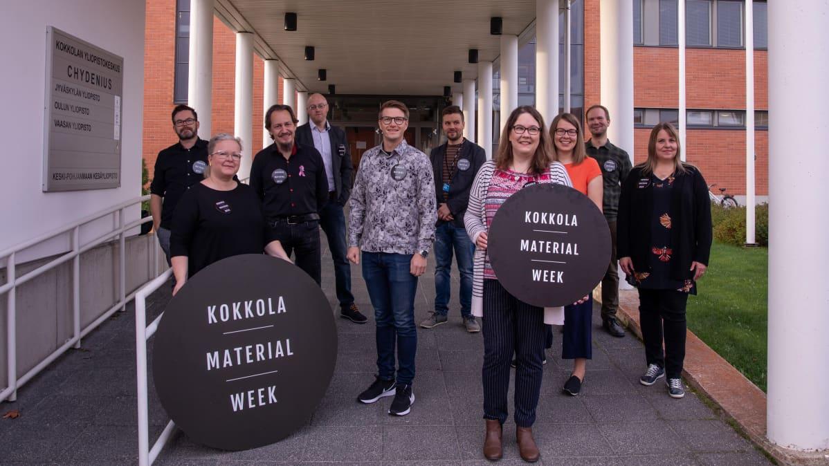 Kuvassa Kokkolan Material Weekin järjestäjiä