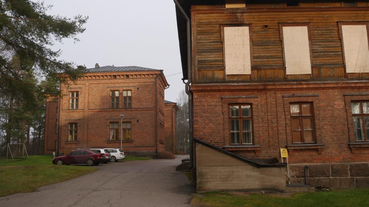 Varuskuntasairaalan talousrakennus