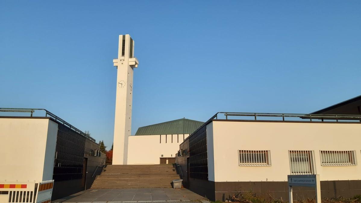 Alvar Aallon suunnittelema kirkko Seinäjoen Lakeuden risti.