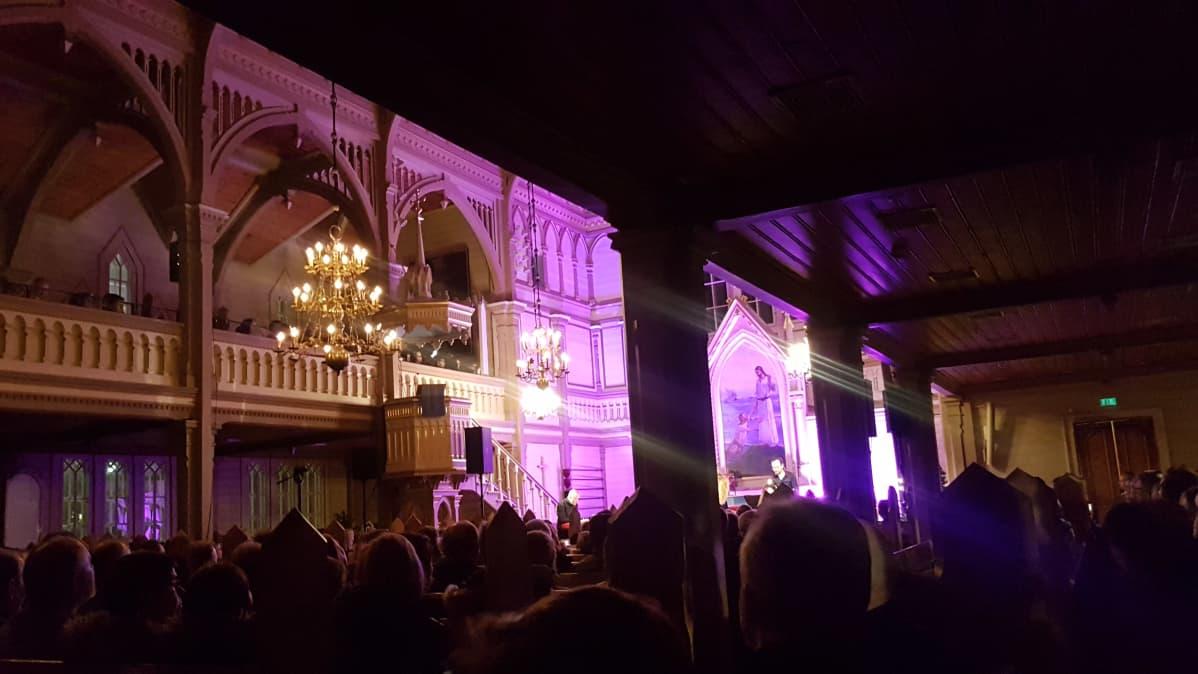 Kotikirkon pieni joulukonsertti Kajaanissa on ollut monena vuonna tupaten täynnä.