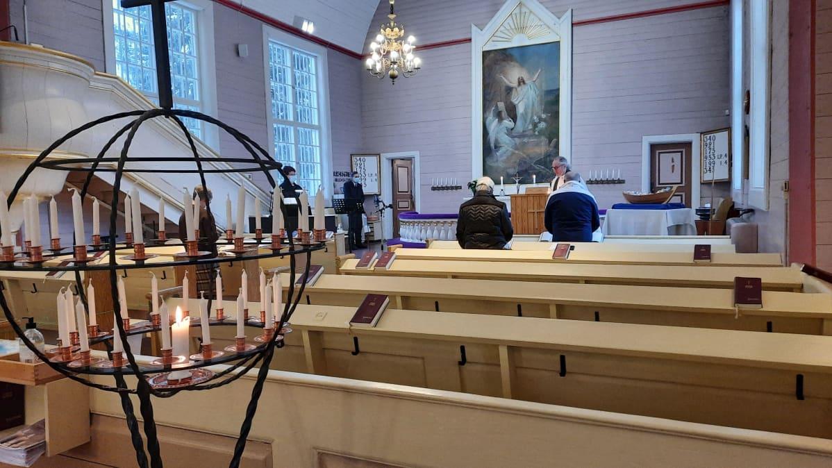 Lavian kirkko sisältä