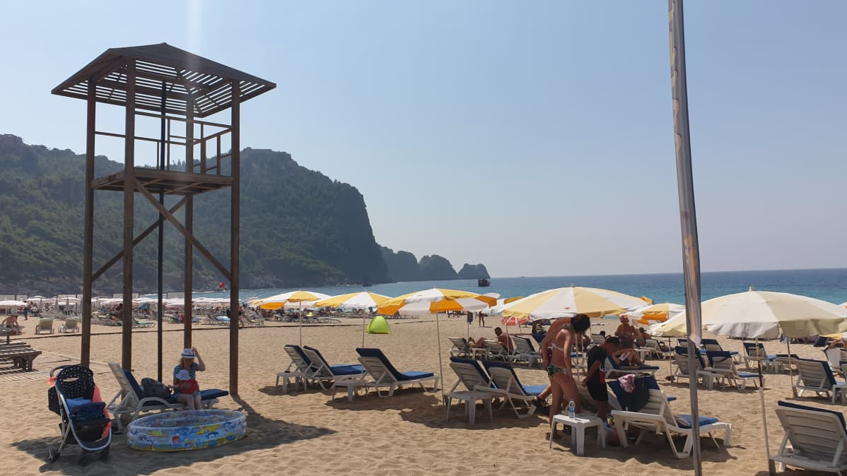 Alanyan Kleopatra-ranta on kilometrien pituinen pehmeähiekkainen ranta
