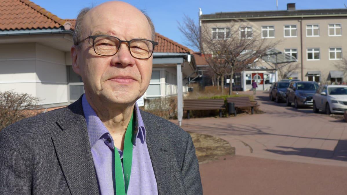 Johtava lääkäri Olli-Pekka Lehtonen, ÅHS