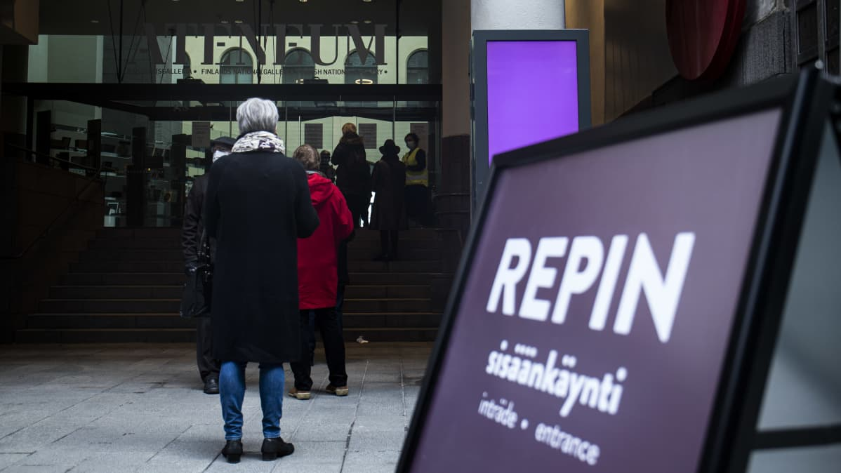Ateneum aukesi yleisölle Ilja Repin näyttelyllä.