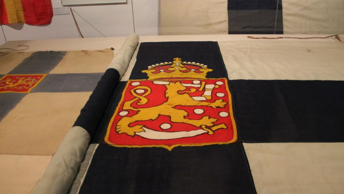 Vuoden 1918 Suomen lippu