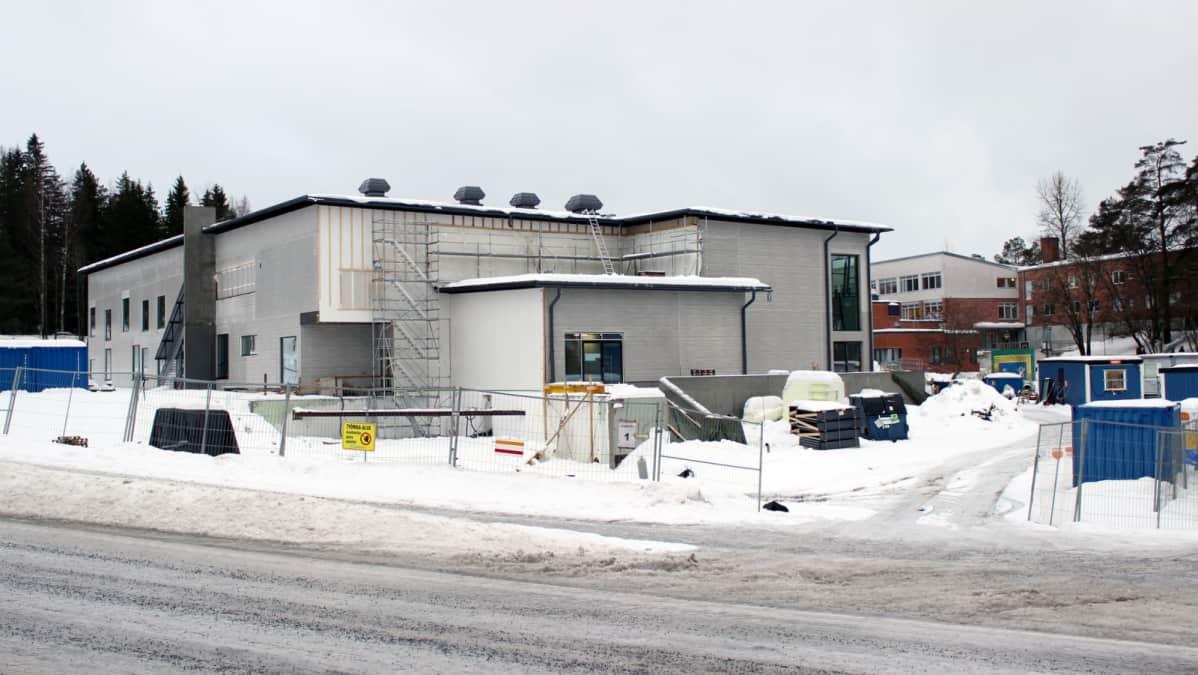 Mikkelin Rantakylän koulun uudisrakennusosa.