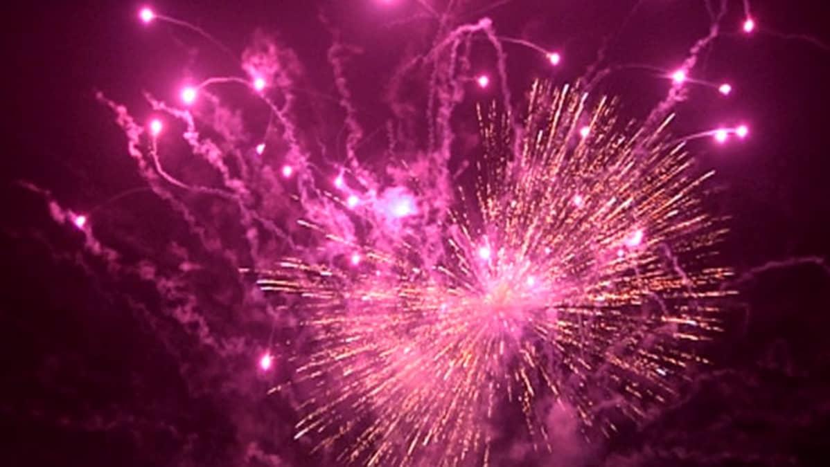 Ilotuliteräjähdyksiä