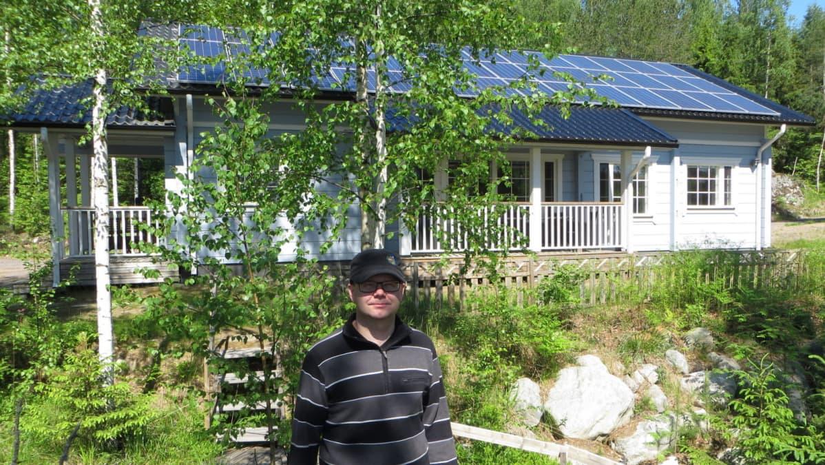 Eteläinen katonlape on hyä aurinkopaneelin paikka.