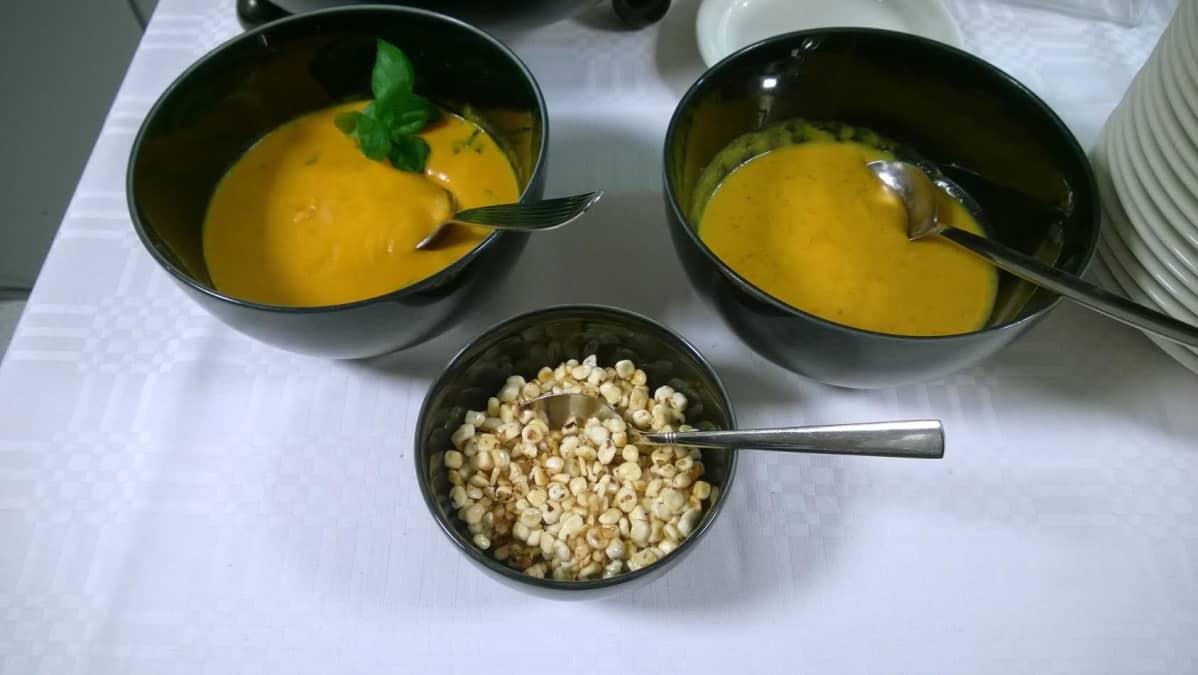 Bataatti-porkkanasosekeittoa tehtiin Kajaanissa.