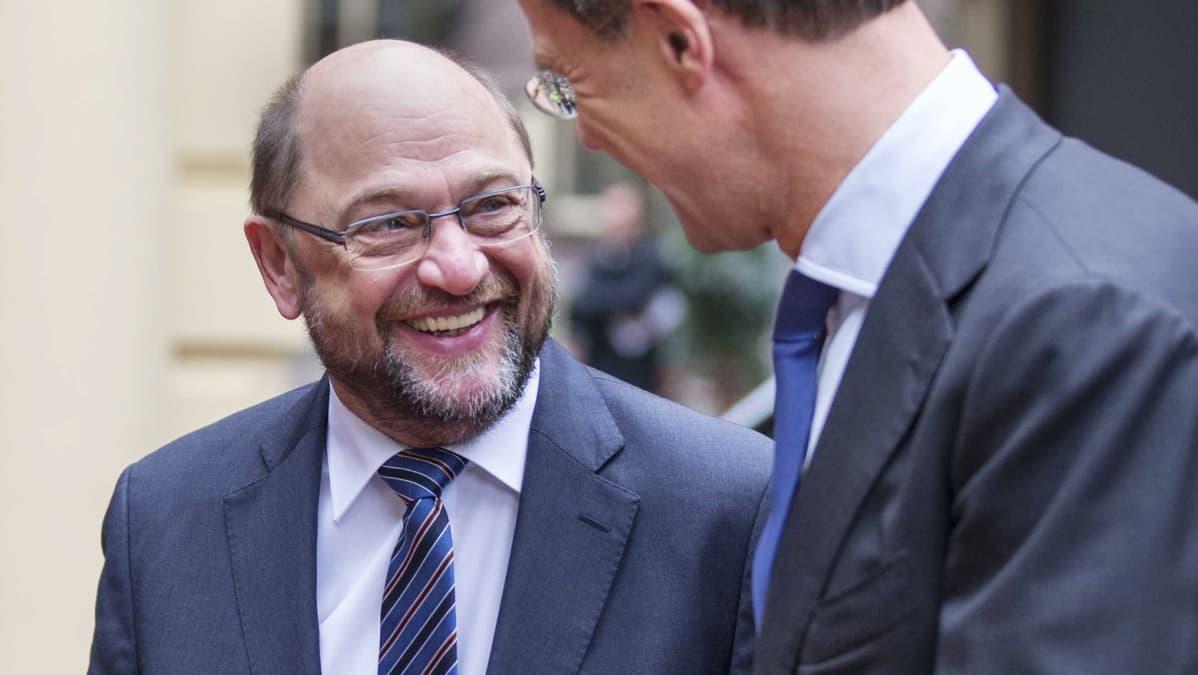 Martin Schulz vierailulla Hollannissa joulukuussa 2015.