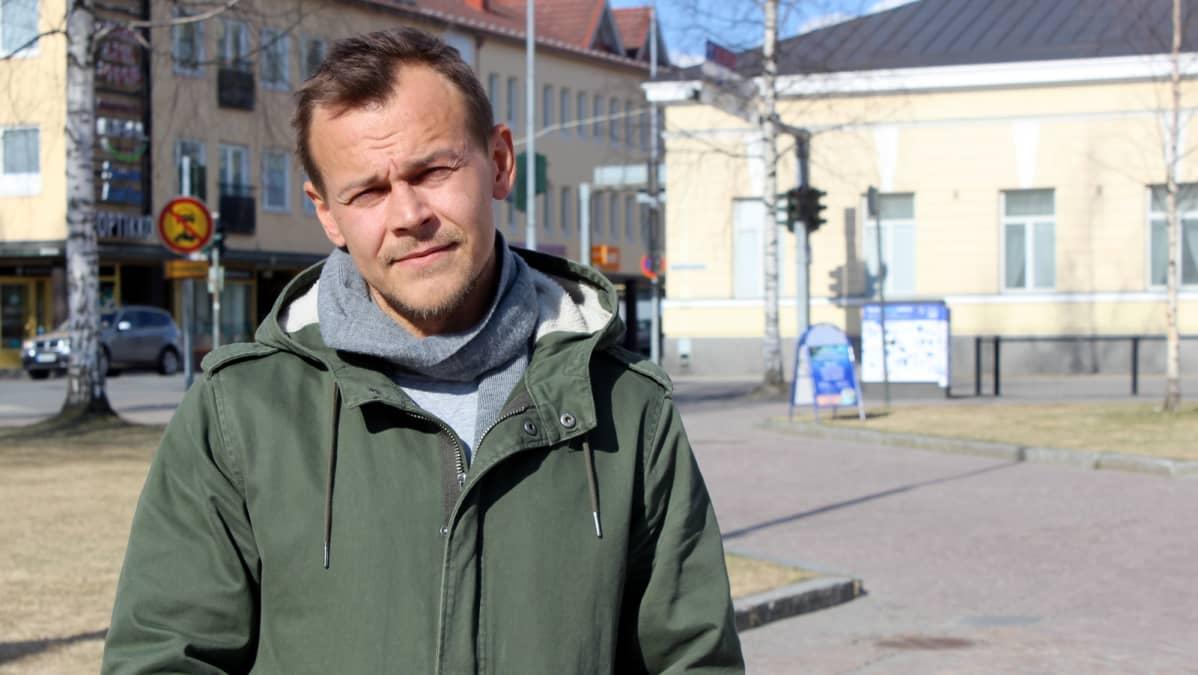 Jesse Haaja Mikkelin torilla.