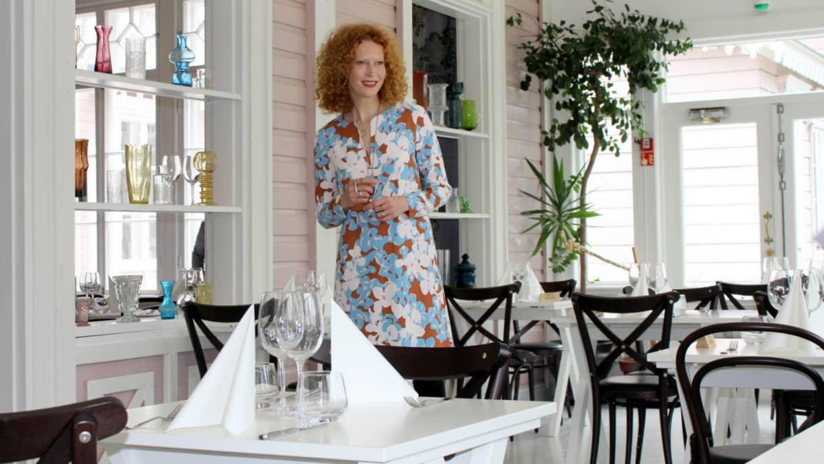 Hotellinjohtaja Saimi Hoyer.
