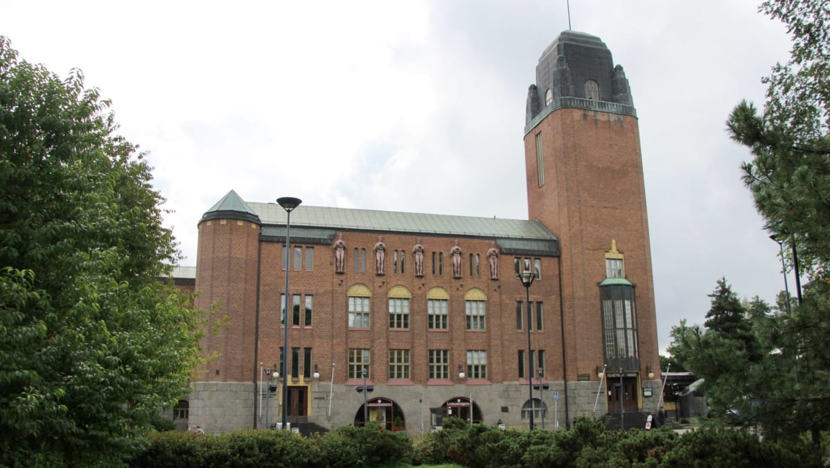 Joensuun kaupungintalo elokuussa 2014. Joensuun kaupunginteatteri ... 4189f924f0
