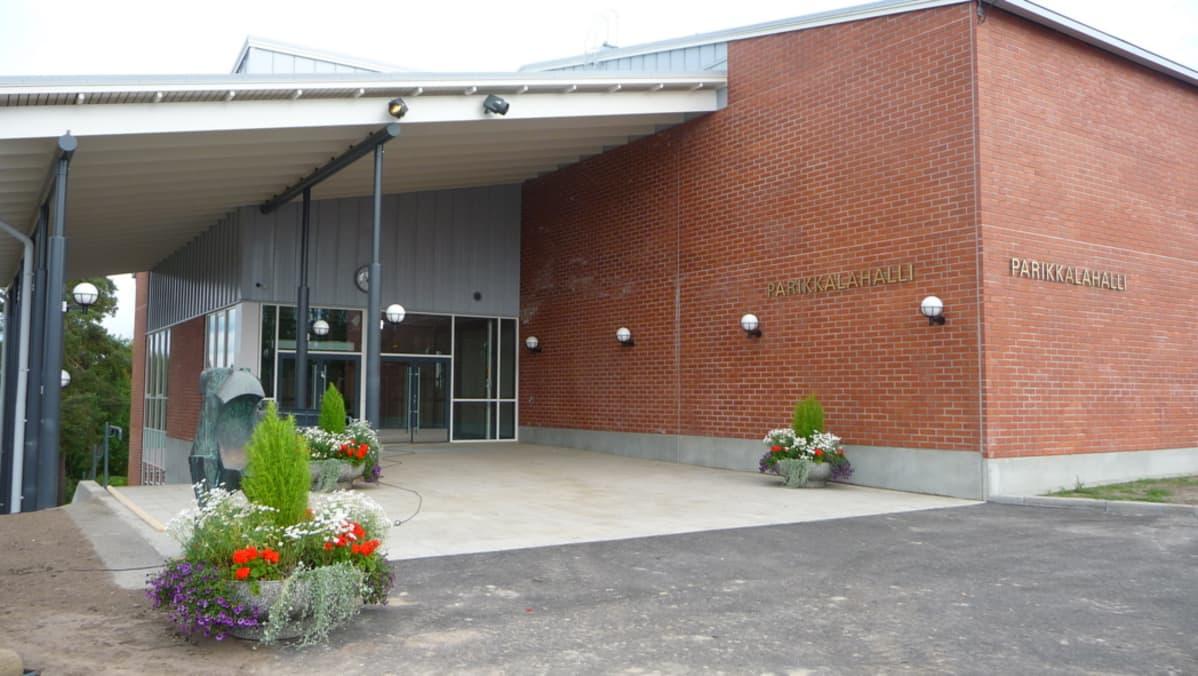 Parikkalan uusi liikuntahalli on viime vuosien mittavimpia urheilupaikkahankkeita Etelä-Karjalassa.