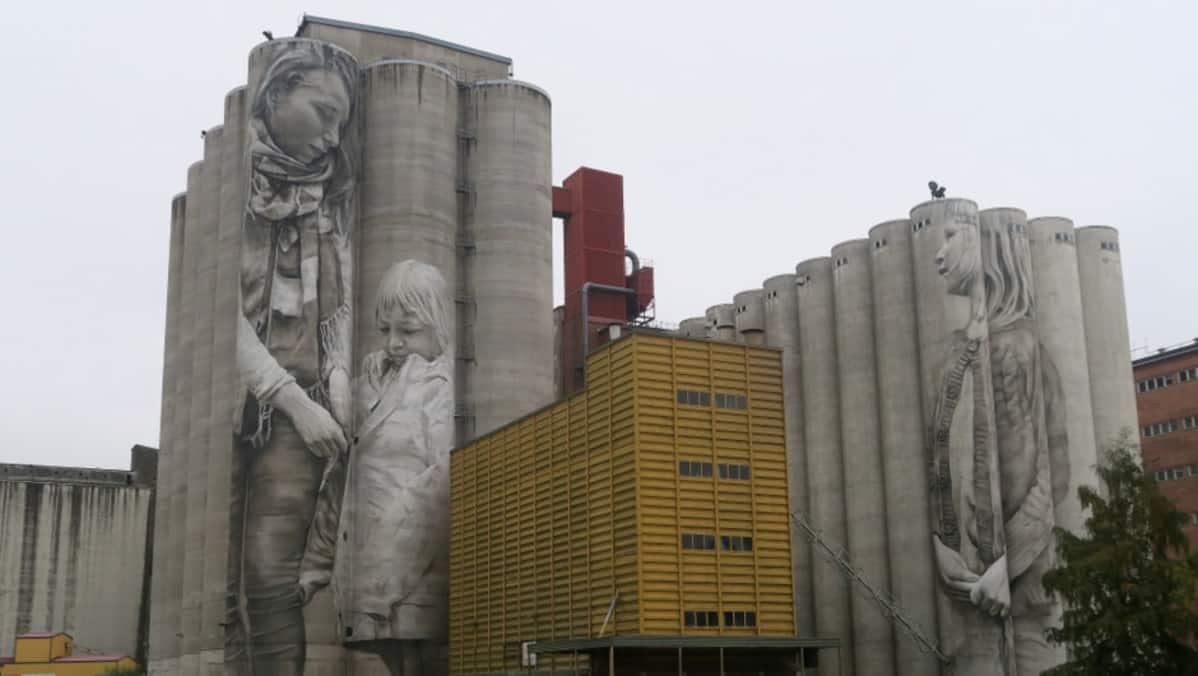 Muraaliteos Hämeenlinnan Kantolan viljasiiloissa