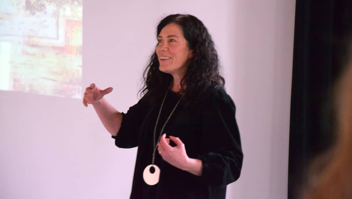 Apulaisprofessori Mari Sandell.