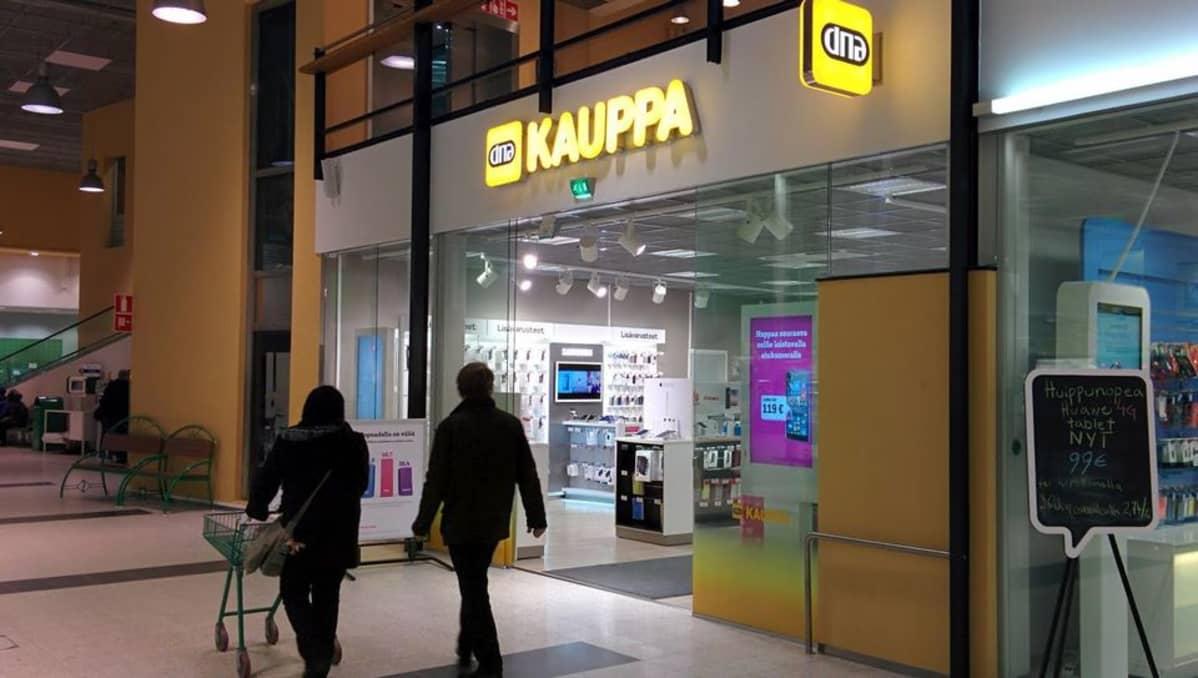 Seuraa suorana tiedotustilaisuutta kello 15.20: UPM suunnittelee sulkevansa Kaipolan paperitehtaan, vähentänee Suomessa ainakin yli 600 työpaikkaa