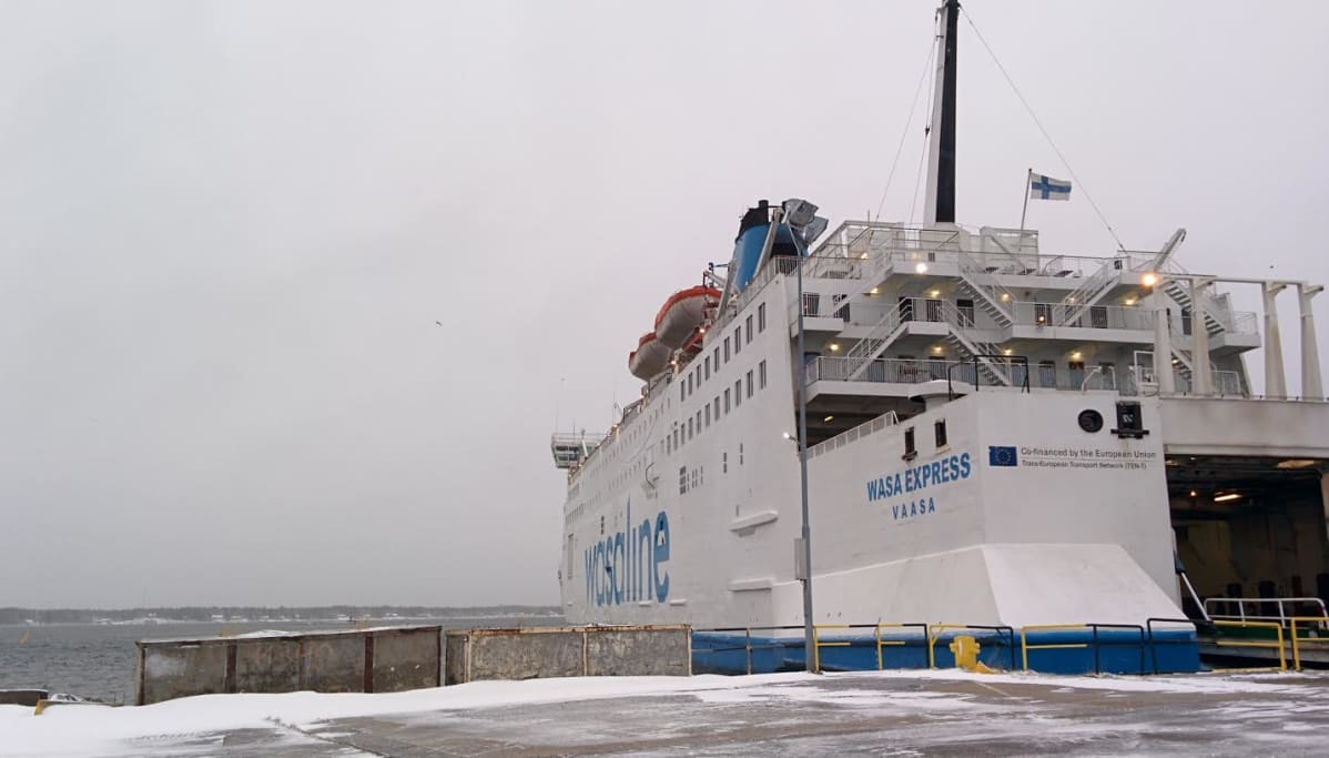 Wasalinen alus Uumajan satamassa.