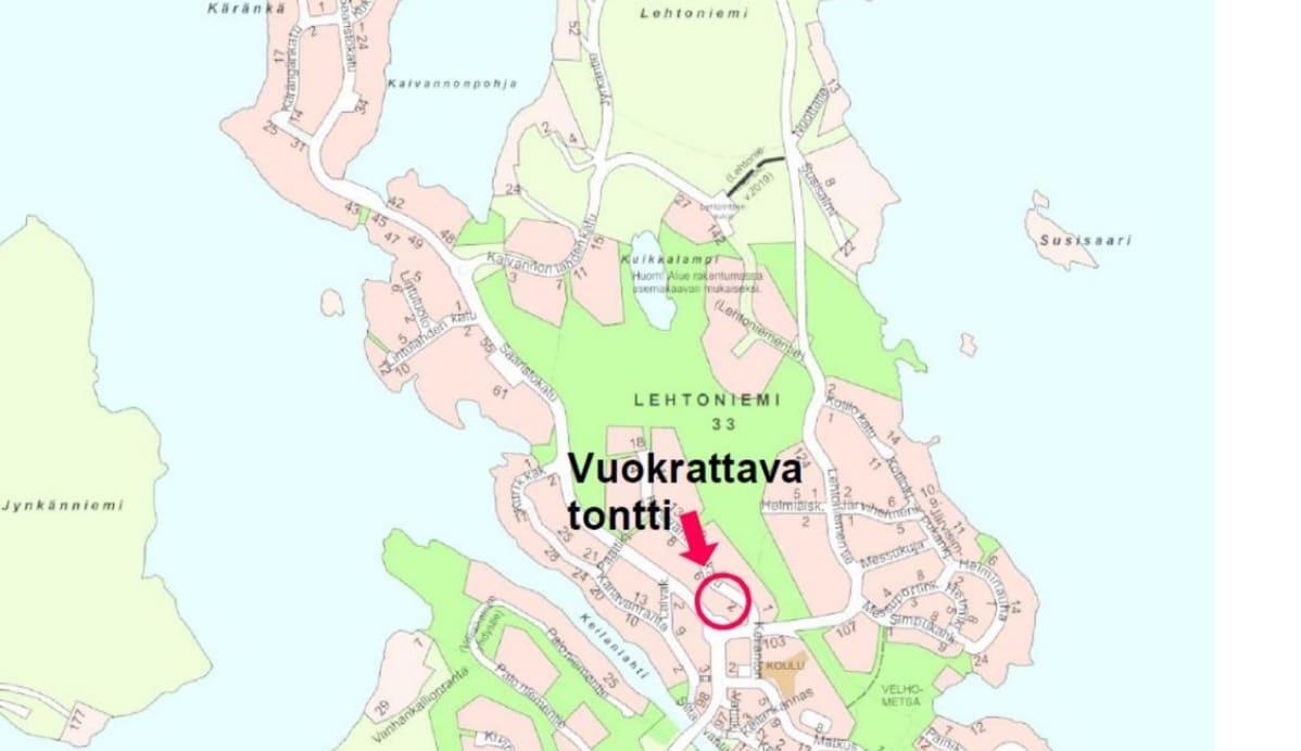Kartalle merkitty tontti Saaristokaupungin Lehtoniemessä, jolle haetaan vuokralaista tontinluovutuskilpailulla.
