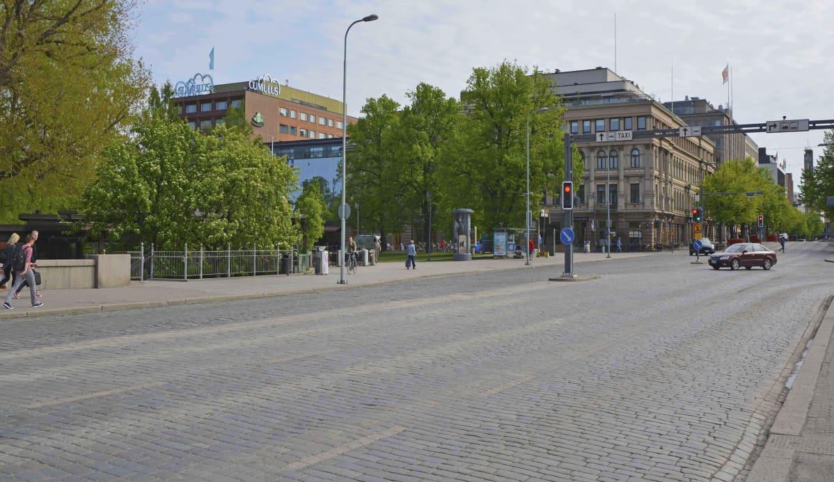 Hämeensilta Keskustorilta juna-asemalle päin.