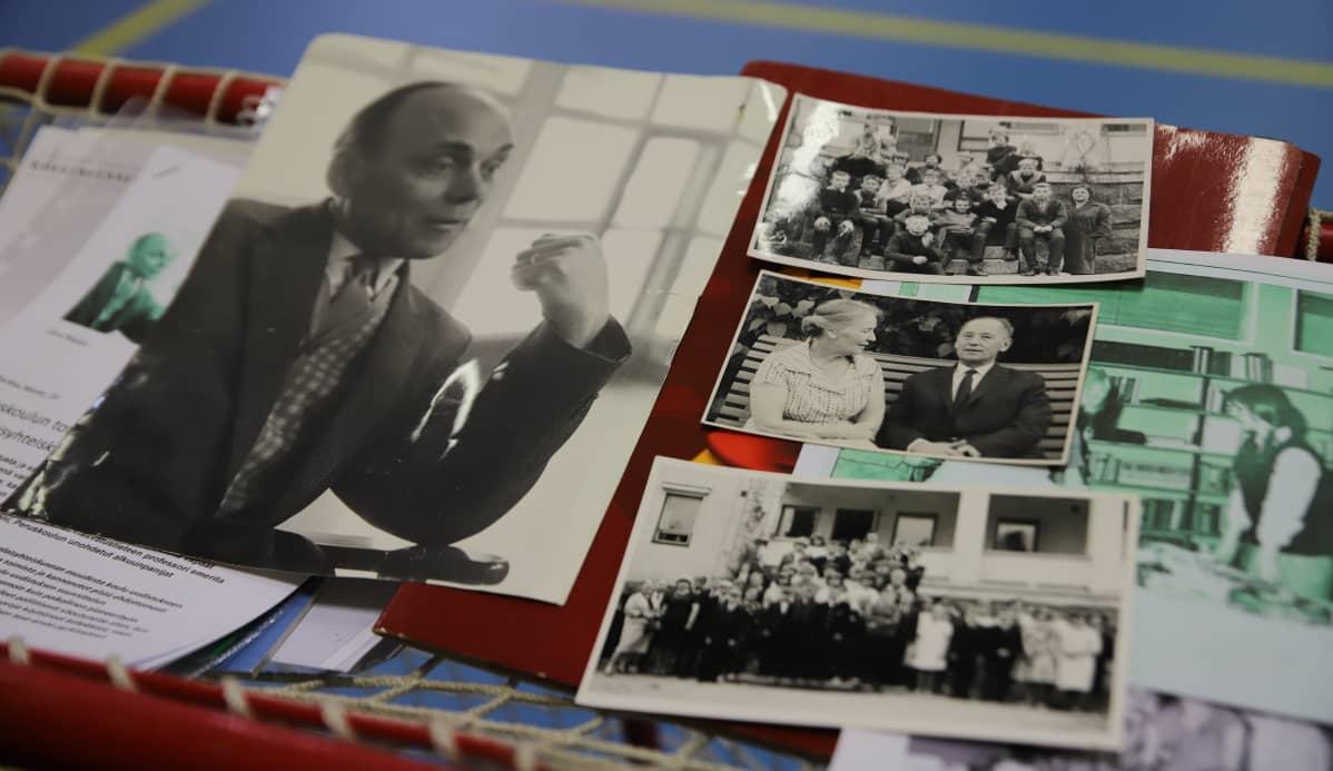 Useita valokuvia Kiukaisten koululta