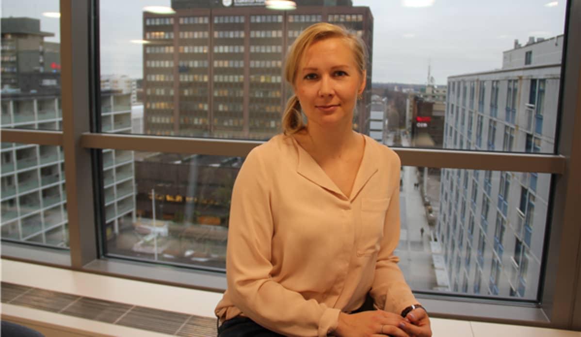 Maahanmuuttoviraston sisäisten siirtojen koordinaattori Monna Airiainen arvioi, että ensimmäiset alaikäiset turvapaikanhakijat voisivat  tulla Kreikasta Suomeen kesäkuussa.