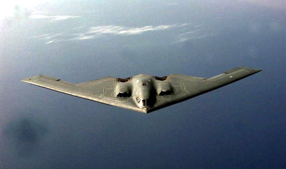 b-2 kone ilmassa