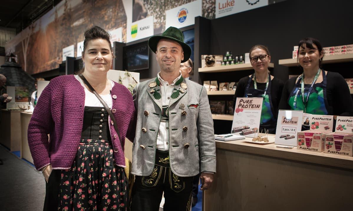 Veronika ja Klaus Wagner innostuivat kajaanilaisesta proteiinipatukasta.